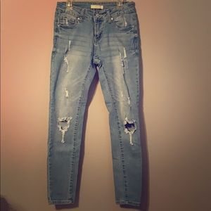 Light Color Ripped Jeans (Jeggings)